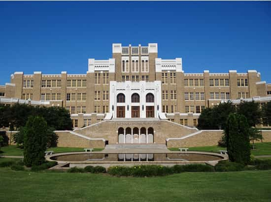 Little Rock Central High School-min